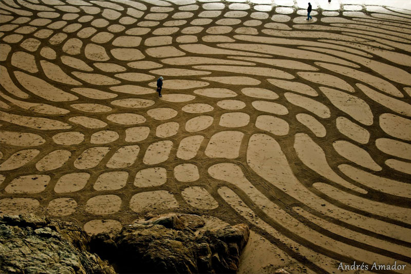 beach sand art with a by rake andres amador (3)