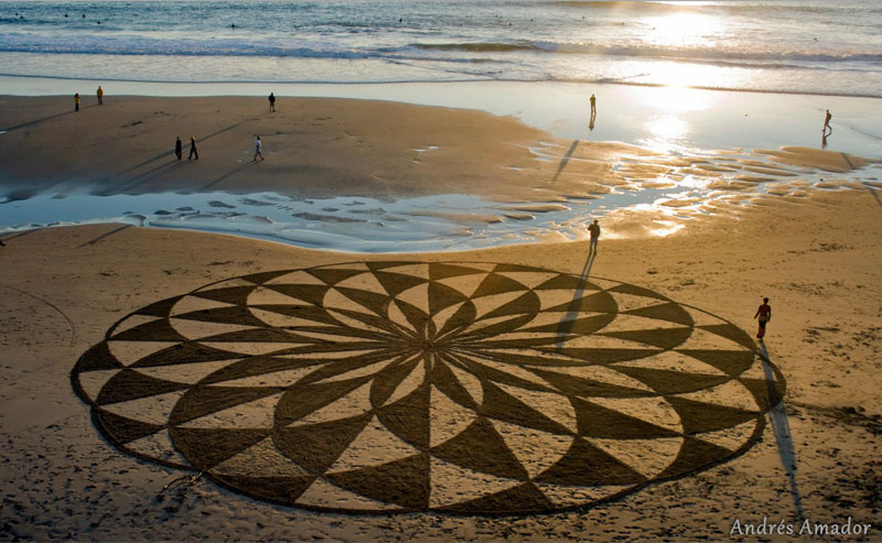 beach sand art with a by rake andres amador (8)