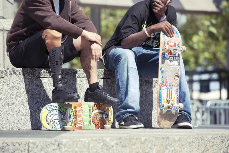 bespoke-innovations-custom-artistic-prosthetic-leg-designs-(16)