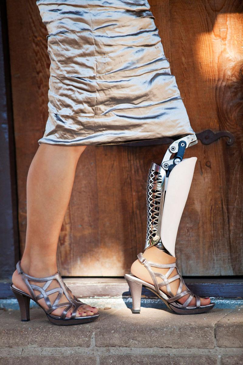 bespoke innovations custom artistic prosthetic leg designs (2)