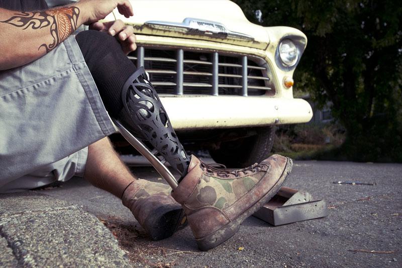 bespoke innovations custom artistic prosthetic leg designs (3)