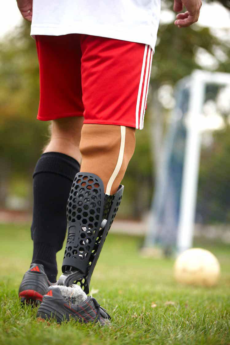 bespoke innovations custom artistic prosthetic leg designs (7)