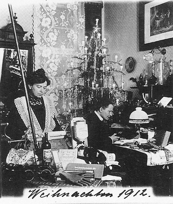 Wagner-1912-vintage-christmas-card-portraits