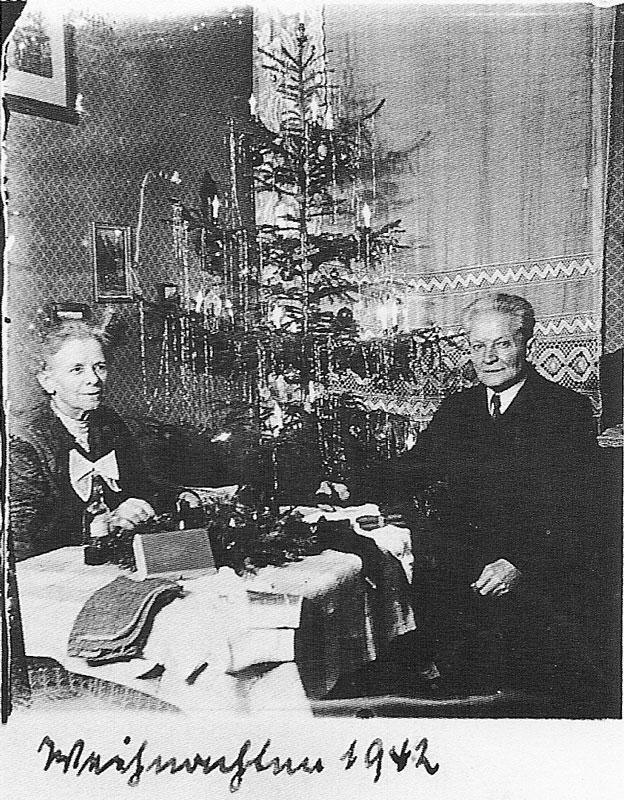 Wagner-1942-vintage-christmas-card-portraits