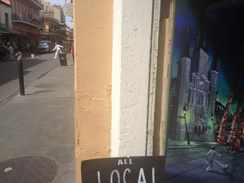 art imitating life uncle louie french quarter new orleans perfect timing Picture of the Day: Art Imitating Life