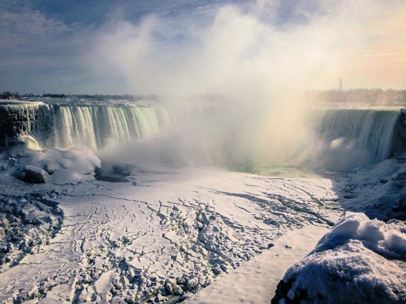 frozen niagara falls Picture of the Day: Frigid Falls