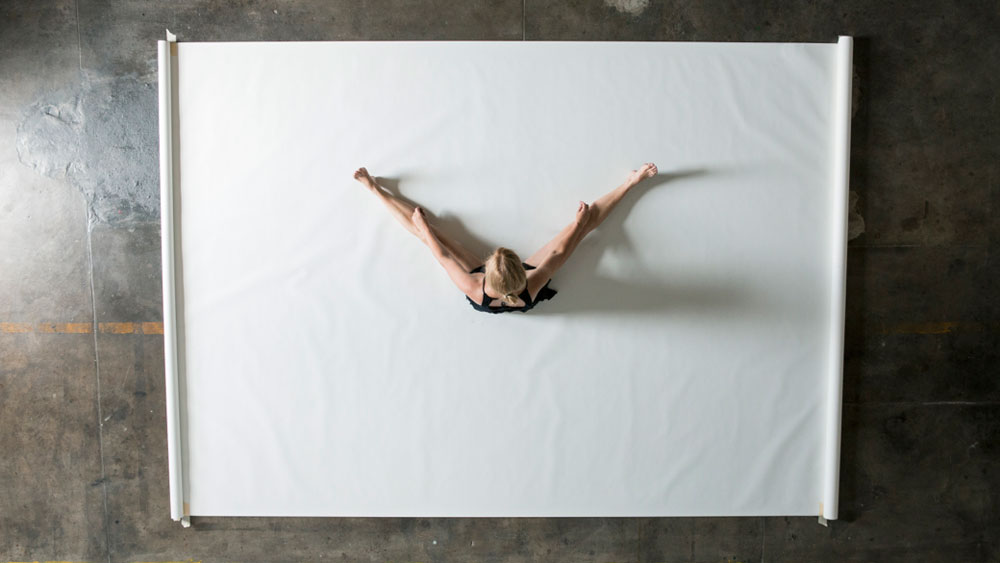Heather Hansen Uses Entire Body to Create Larger than Life Charcoal Drawings (3)