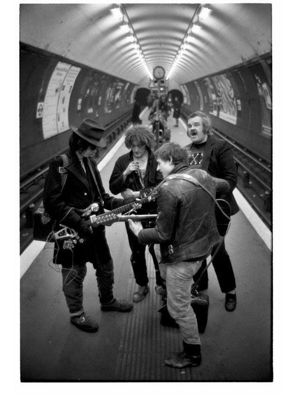 Life in the Tube 40 Years of London Underground Photography by Bob Mazzer (10)
