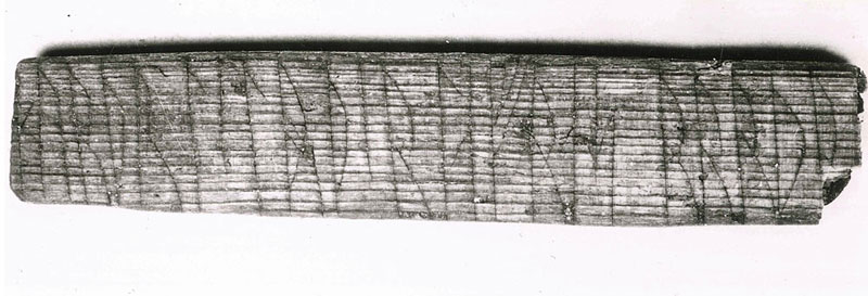 900-year-old viking message decoded says kiss me (2)