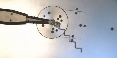 I Can't Stop Watching This High-Speed Wire Bending Machine
