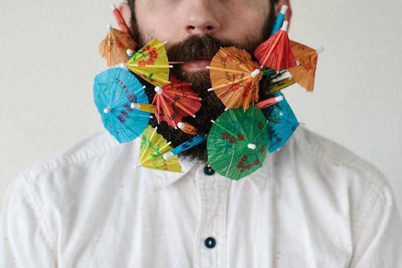 guy sticks random things in his beard instagram tumblr (6)