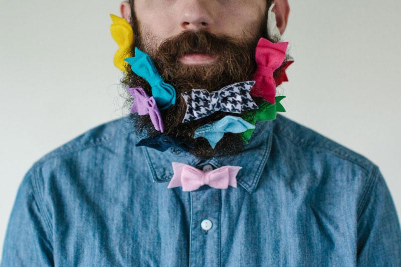 guy sticks random things in his beard instagram tumblr (7)