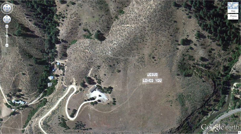 jesus-loves-you-google earth