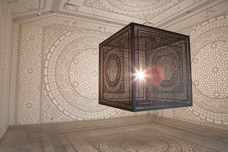 shadow-cube-light-installation-art-interesctions-by-anila-quayyum-agha-(3)
