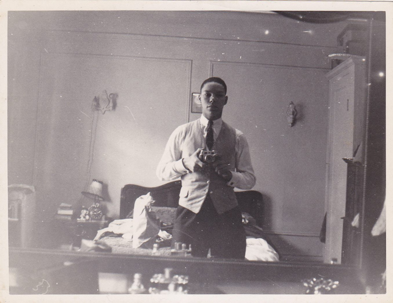 colin powell selfie vintage Picture of the Day: Colin Powells 60 Year Old Selfie