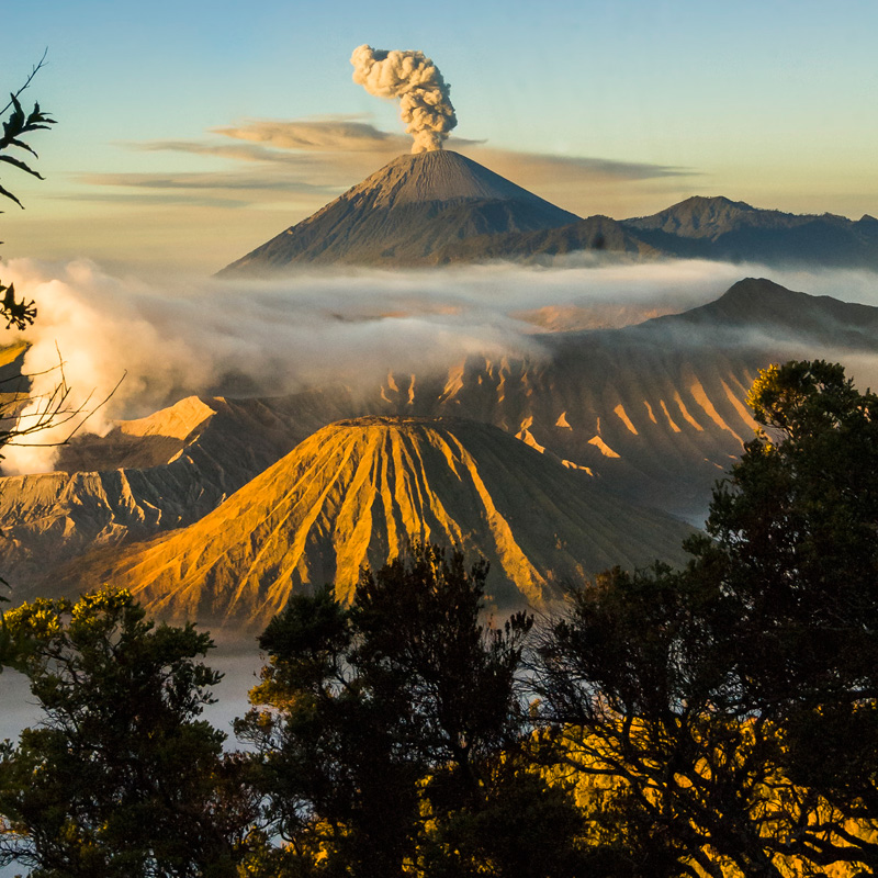 mount bromo indonesia volcano (1)