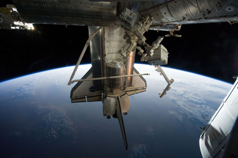 NASA-Toasts-Gravity-with-Real-Life-Images-from-Space (4)