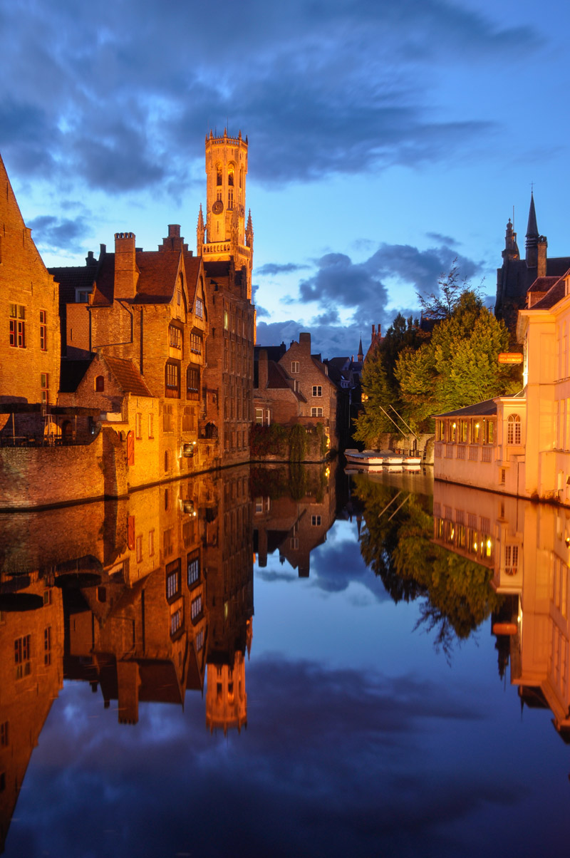 blue hour in Bruges_View_from_Rozenhoedkaai