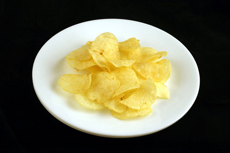 calories in potato chips This is What 200 Calories of Various Everyday Foods Looks Like