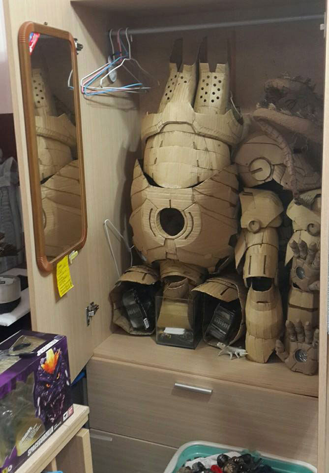 ironman suit made of cardboard by kai-xiang xhong (12)