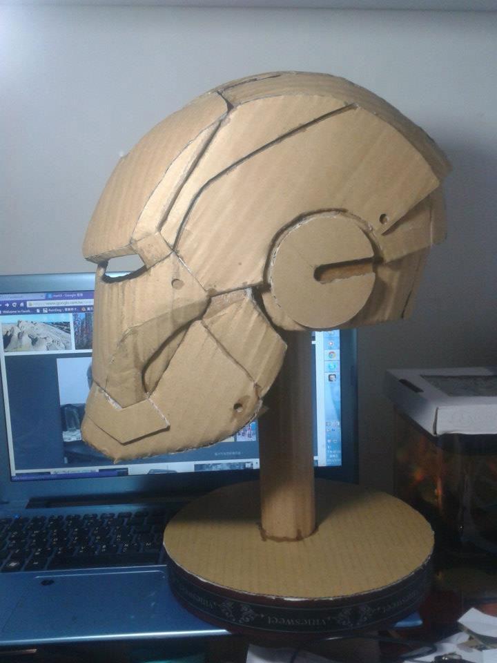 ironman suit made of cardboard by kai-xiang xhong (2)