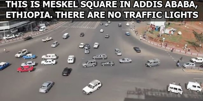 This is What a Major Intersection with No Traffic Lights Looks Like