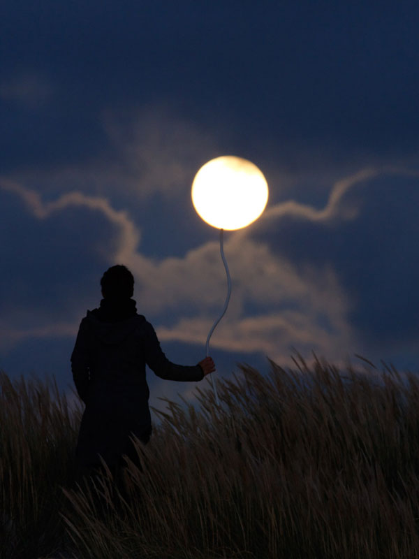 playing with the moon by laurent laveder (5)