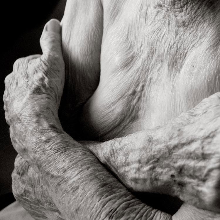 portraits of centenarians by anastasia pottinger (4)