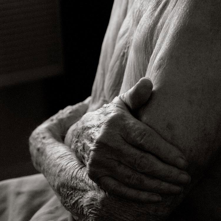 portraits of centenarians by anastasia pottinger (5)