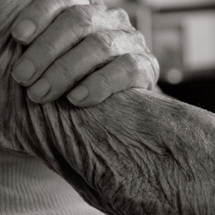 portraits of centenarians by anastasia pottinger (6)
