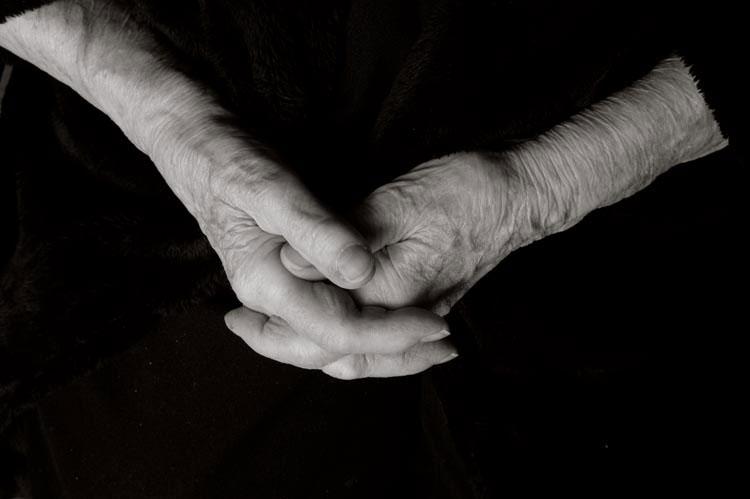portraits of centenarians by anastasia pottinger (9)