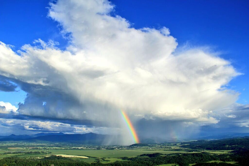 rainbow storm cloud eugene oregon Picture of the Day: Rainbow Storm Cloud