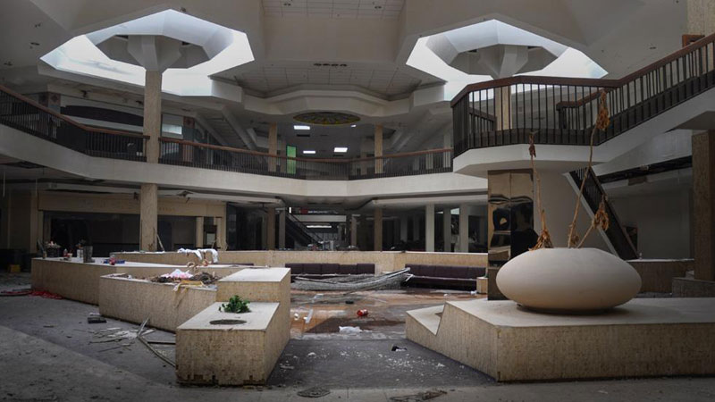 randall park mall abandoned ohio by seph lawless (1)