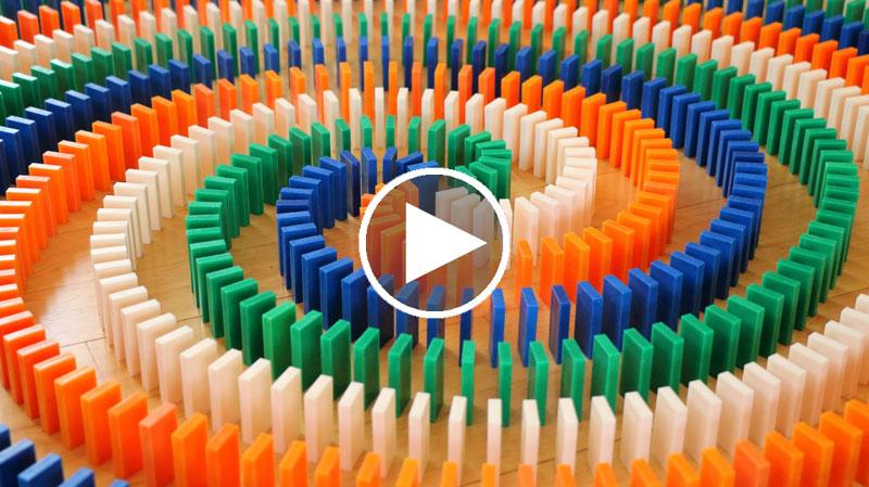 22,000 Dominoes in 100 Seconds
