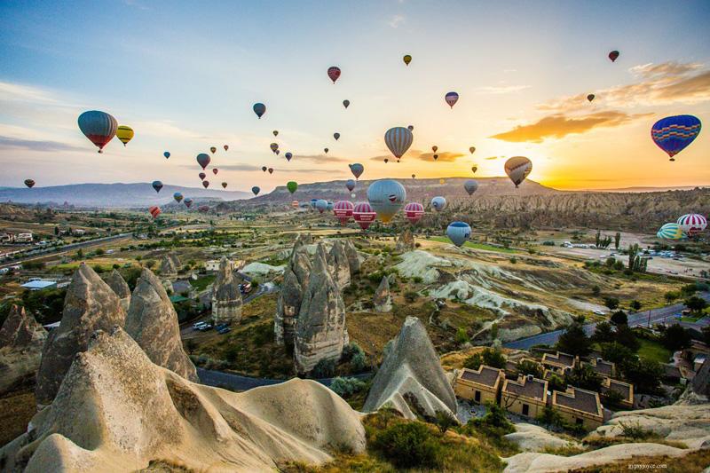 balloon ride cappadocia turkey Picture of the Day: Balloon Ride in Cappadocia
