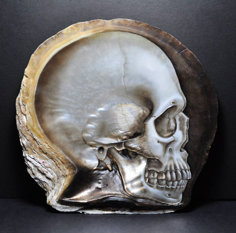 hand carved skulls into mother of pearl shells by gregory raymond halili (2)