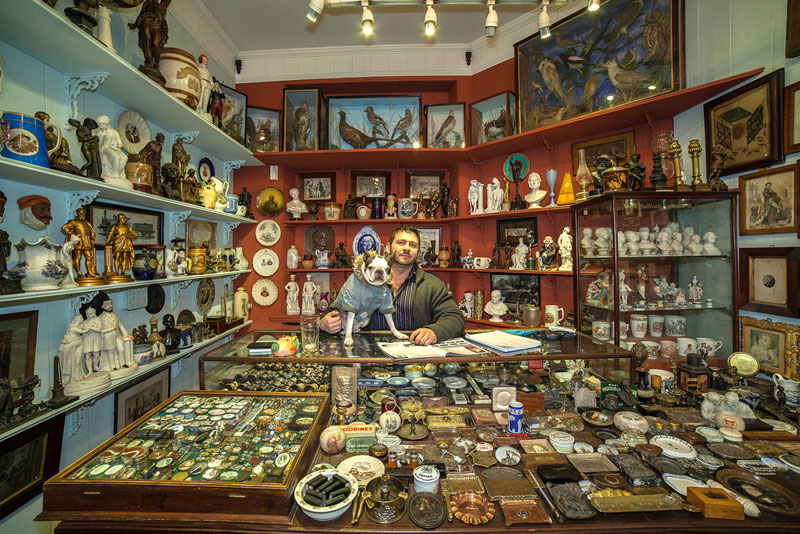 portraits of shopkeepers around the world by vladimir antaki (5)
