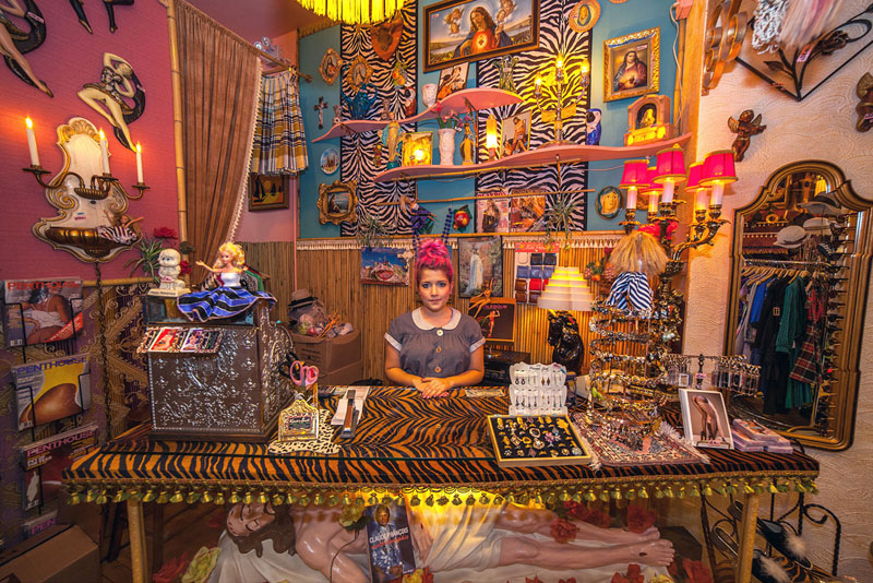 portraits of shopkeepers around the world by vladimir antaki (7)