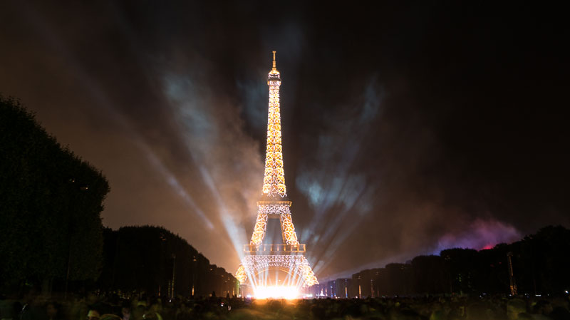 eiffer tower fireworks bastille day july 14 2014 (3)