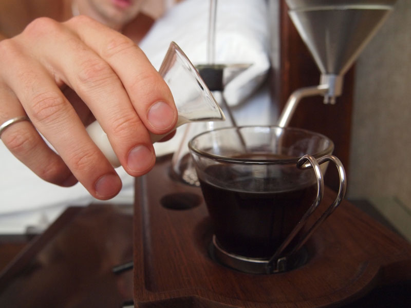 Alarm Clock wakes You Up With Fresh Cup of Coffee the barisieur by joshua renouf (15)