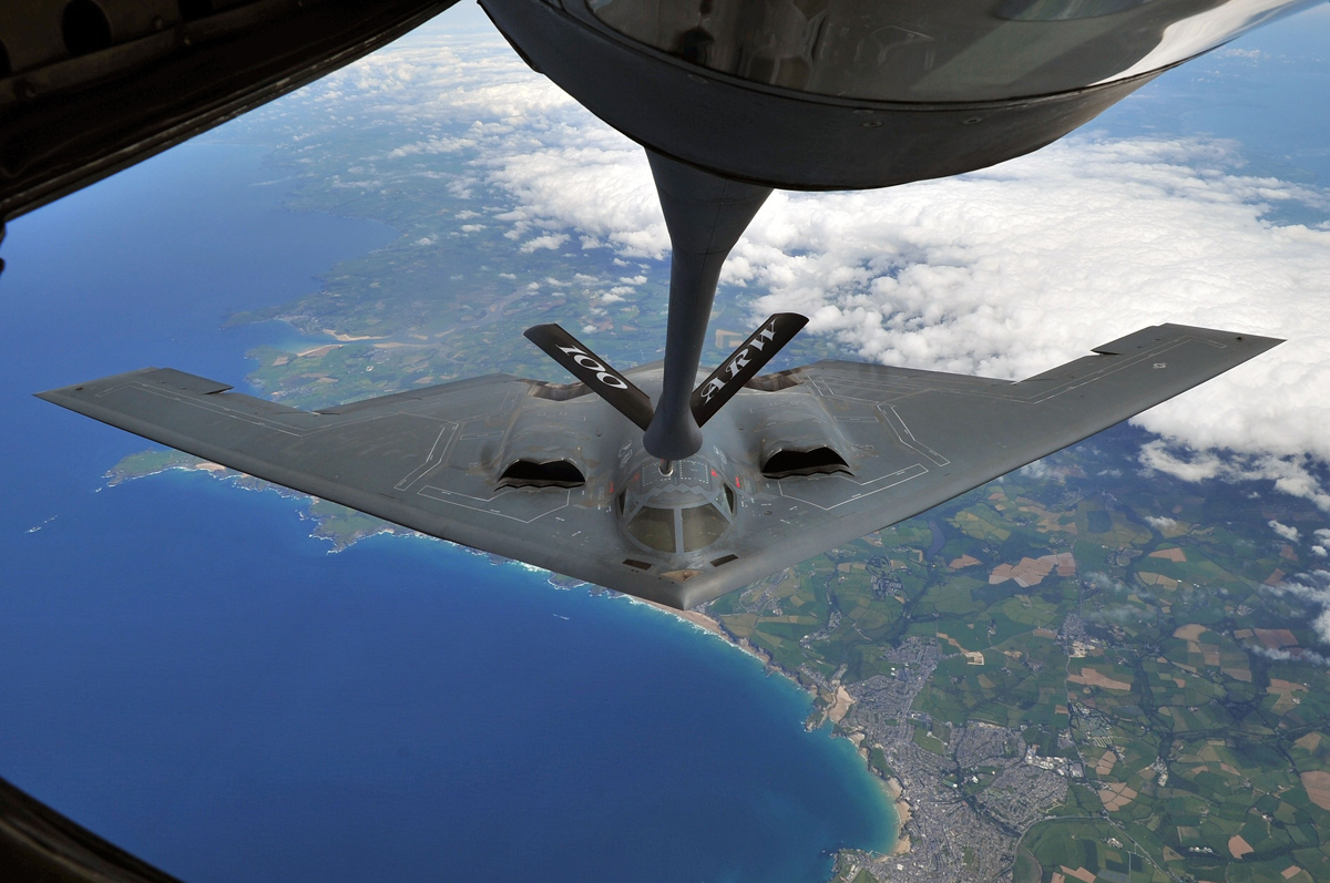 stealth bomber mid-air aerial refuel