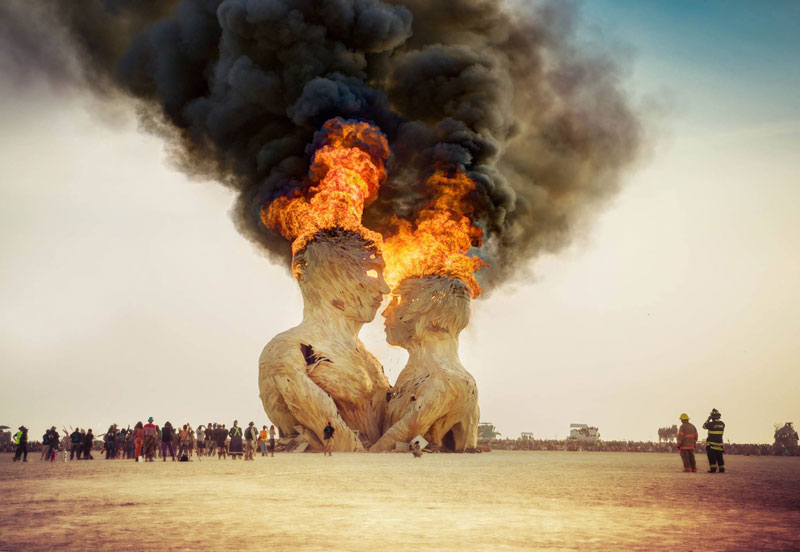 embrace sculpture burning man 2014 trey ratcliff Picture of the Day: Embrace Impermanence