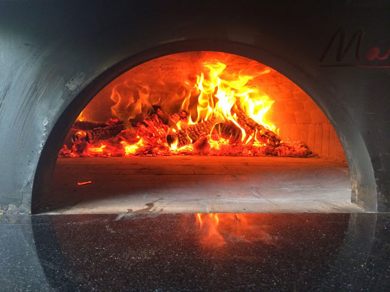 food truck with wood burning pizza oven (3)