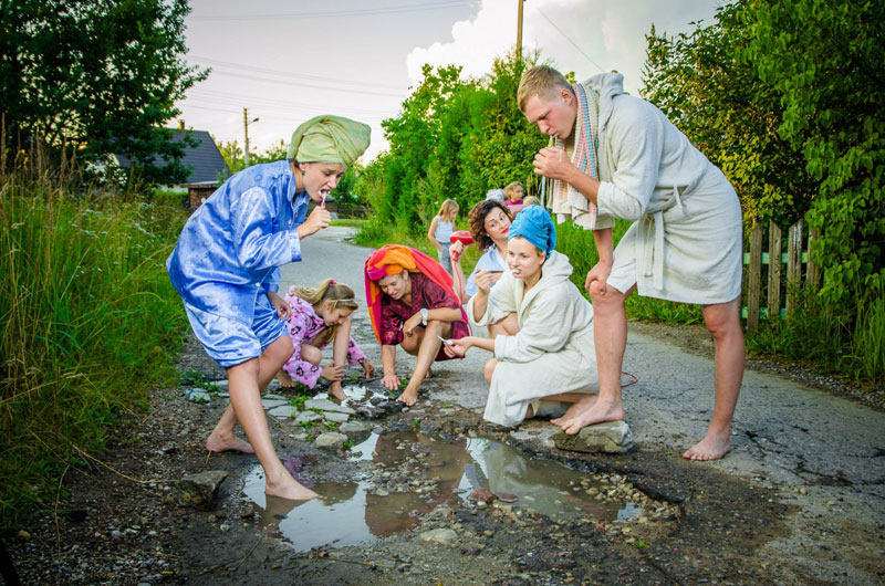 lithuanian artists create funny photos to highlight their citys pothole problem (4)