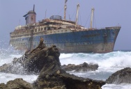 Picture of the Day: Canary Islands Shipwreck