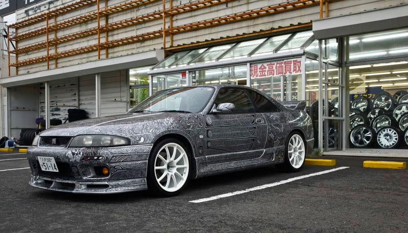Artist Uses Sharpie to Give Nissan Skyline GTR One of a Kind Paint Job (14)