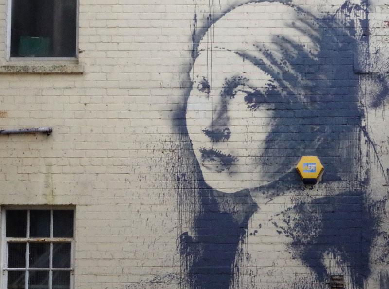 banksy vermeer girl with pierced eardrum (3)
