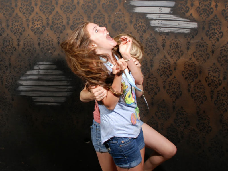 niagara falls haunted house fear factory funny pictures of scared people (13)