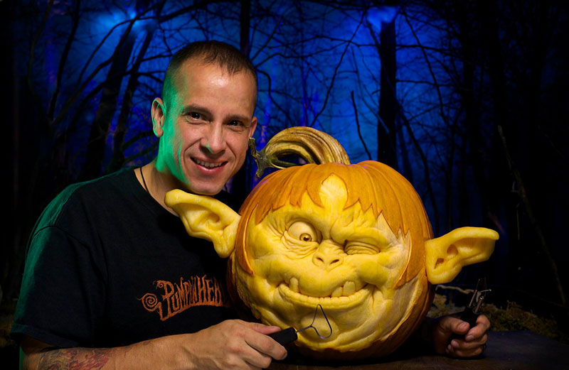 pumpkin carving by ray villafane studios (12)