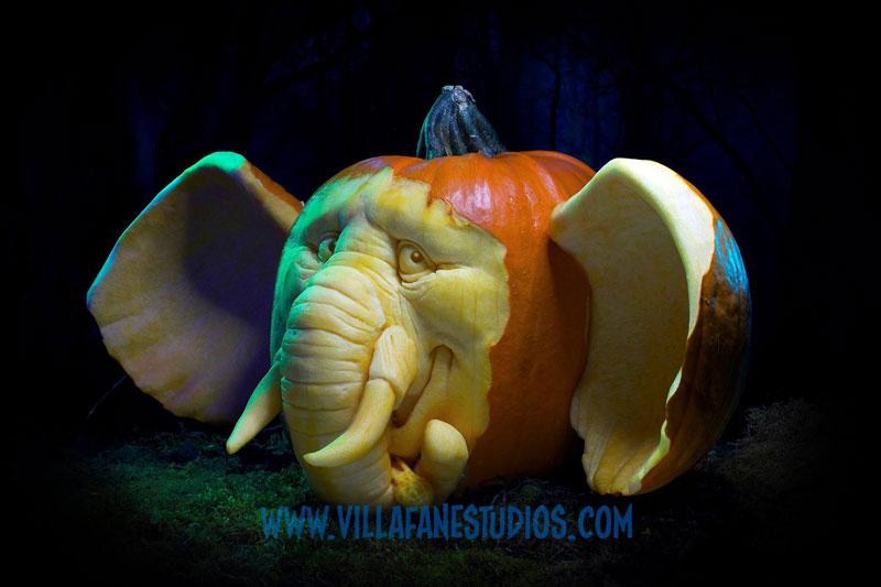 pumpkin carving by ray villafane studios (13)